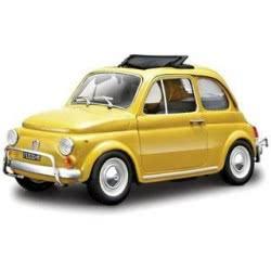 Bburago 1/24 Fiat 500 L (1968) 18/22099 4893993220991