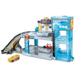 Mattel Cars 3 Racing Garage Piston Cup Florida 500 FWL70 887961677669