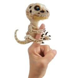 WowWee Fingerlings Untamed Skeleton Bonehead Raptor Gloom 153864 / Gloom 771171139829